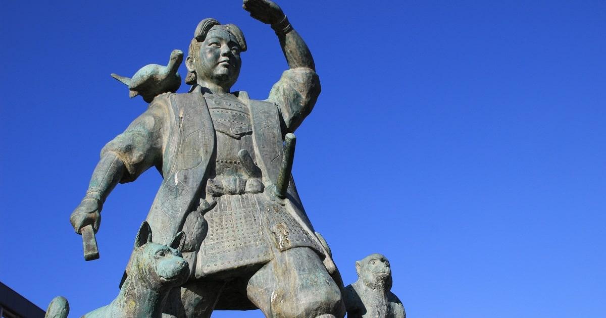 日本のおとぎ話、『桃太郎』の像