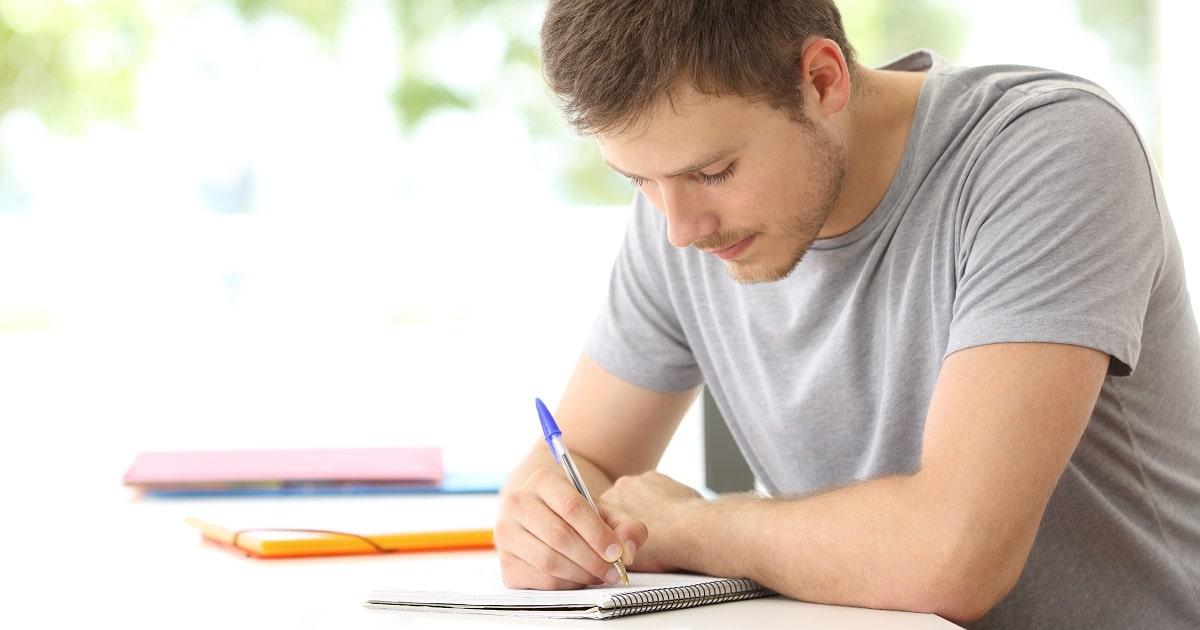 コツコツと勉強を進める保全型の学生