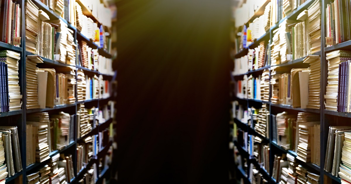 死んでいる本棚を生きている本棚にしてみた。04