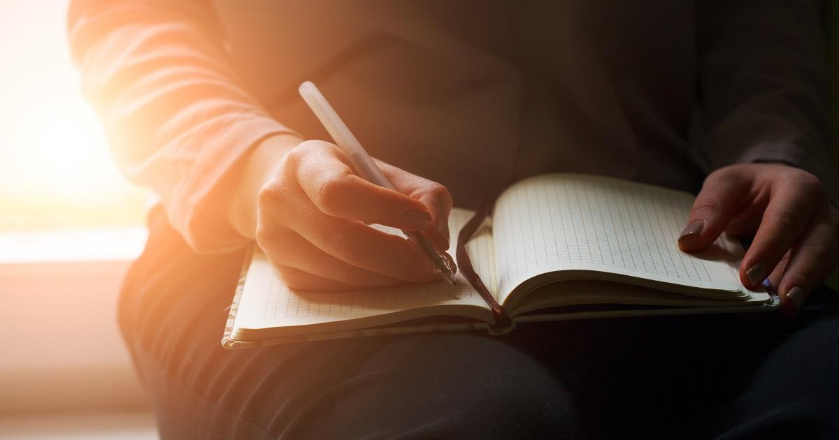 工藤紀子さんインタビュー「自己肯定感を高める『書く習慣』」01