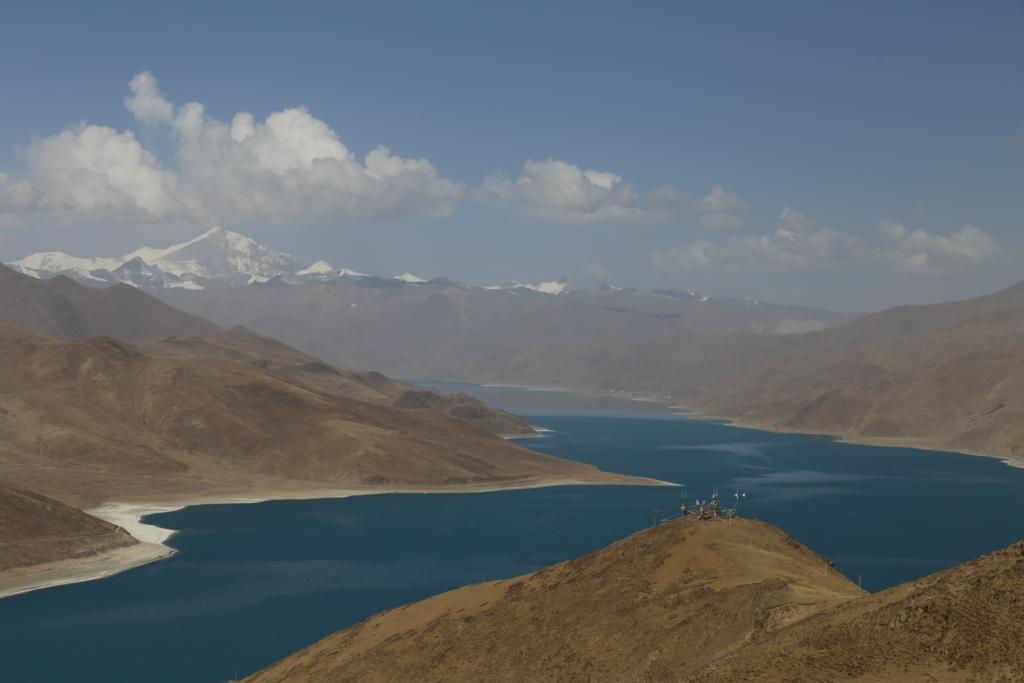 チベット(ヤムドゥク湖)