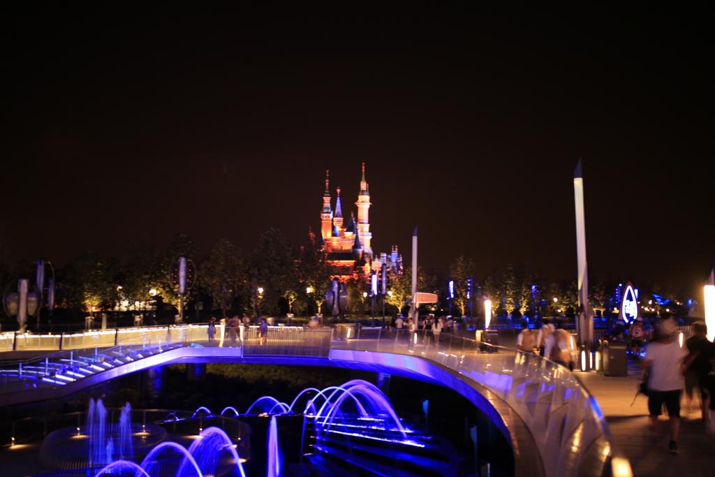 上海ディズニー明日世界