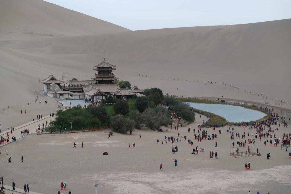 甘粛省、敦煌市、鸣沙山(鳴砂山)月牙泉