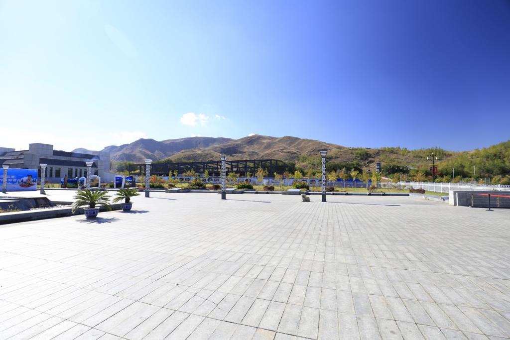 新疆天地駐車場