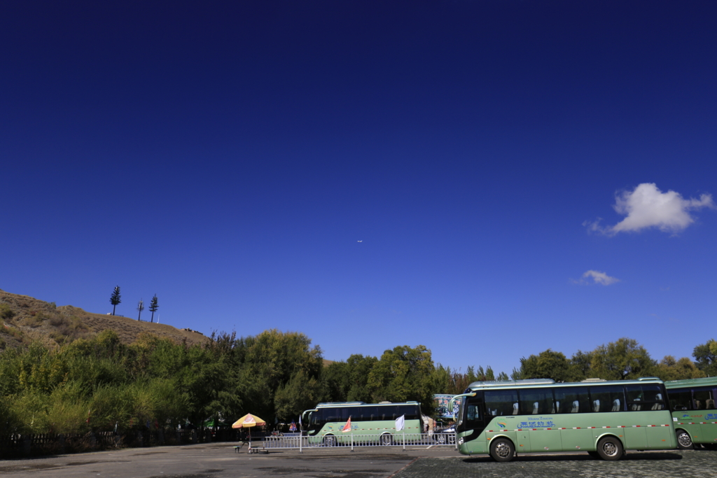 天山天池バス停2