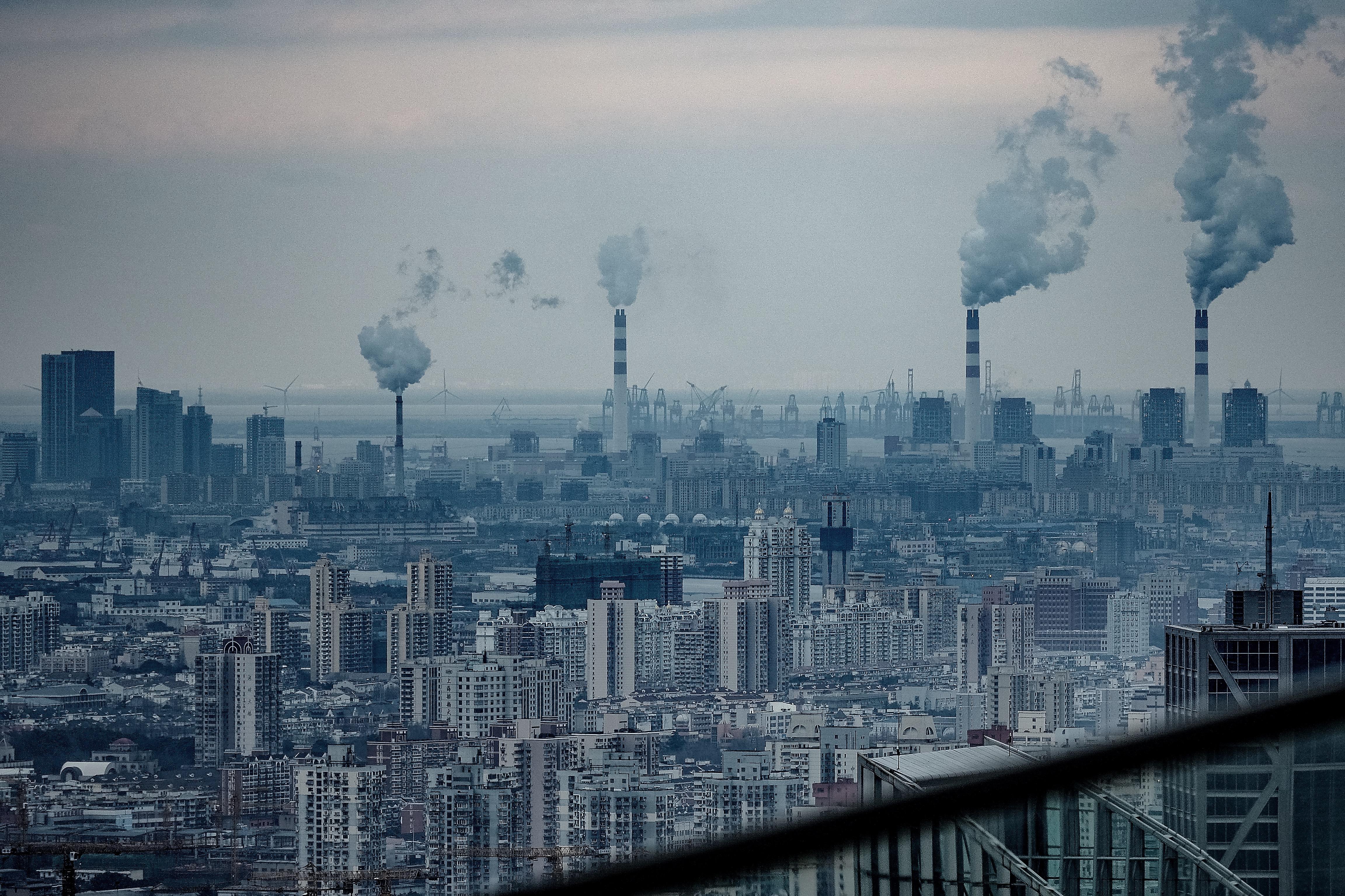 上海リッツカールトンからの景色(工場)