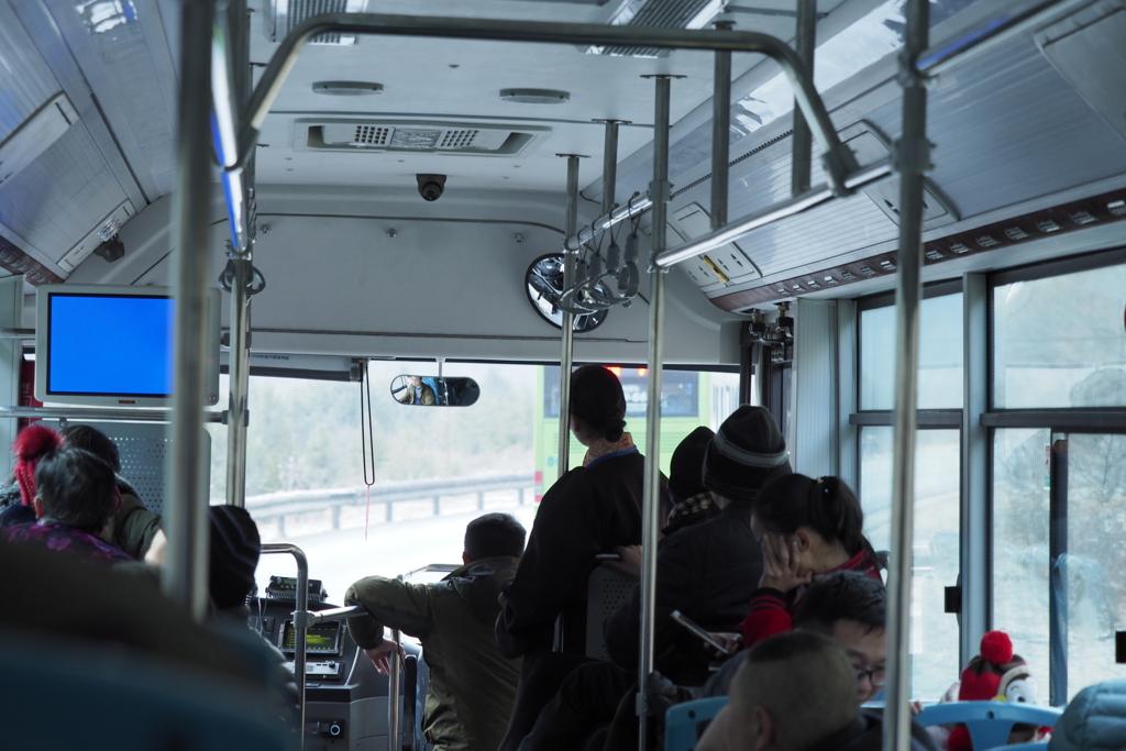 九寨溝内のバス