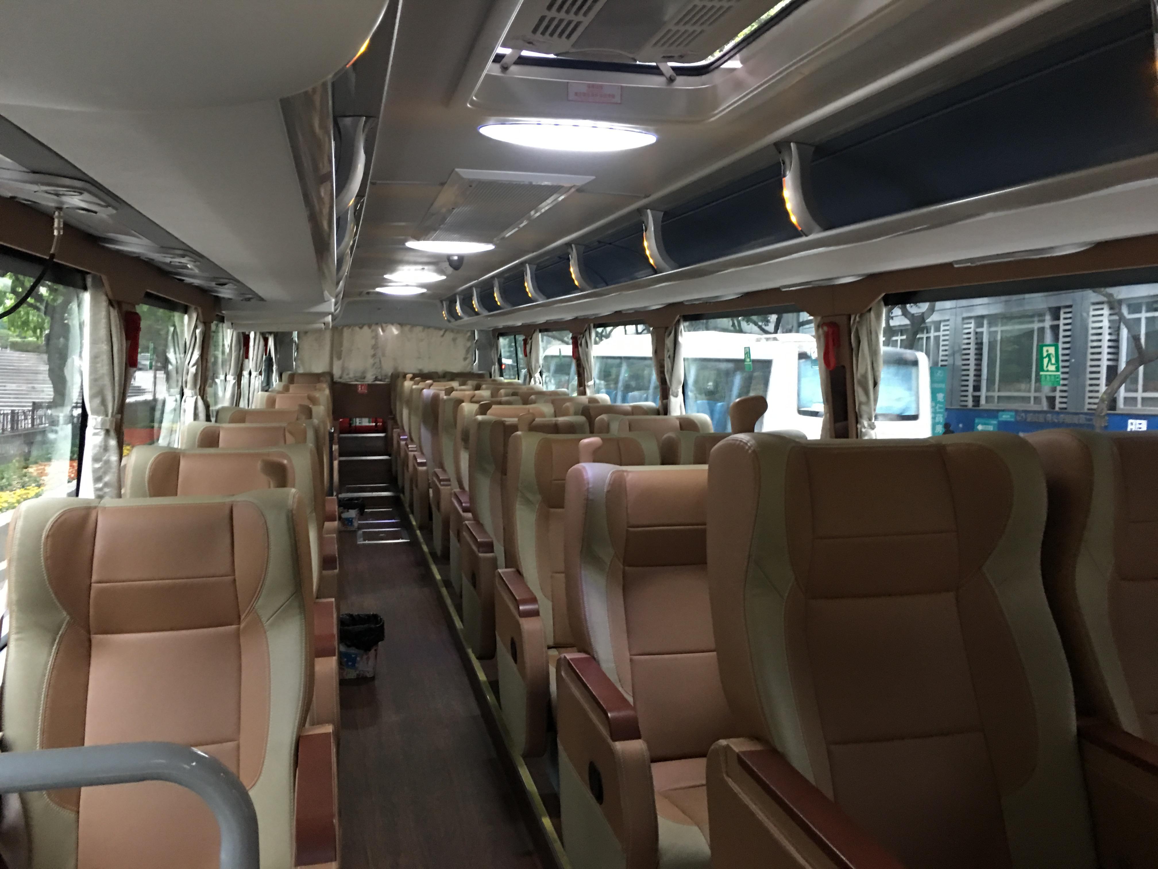 ツアーバスの座席