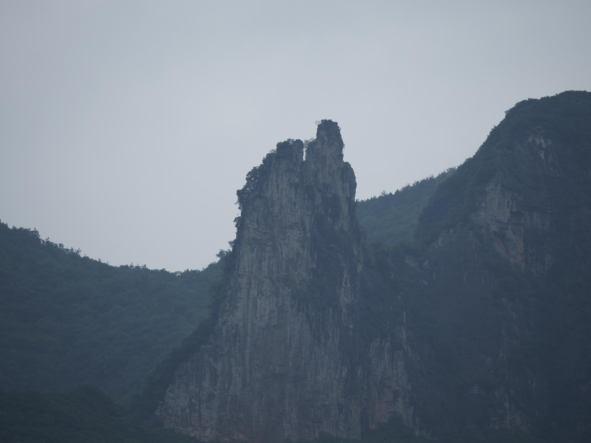 神女峰(shén nǚ fēng)