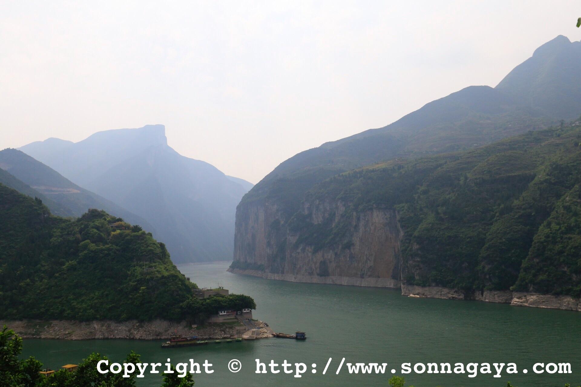 長江三峡(夔門)