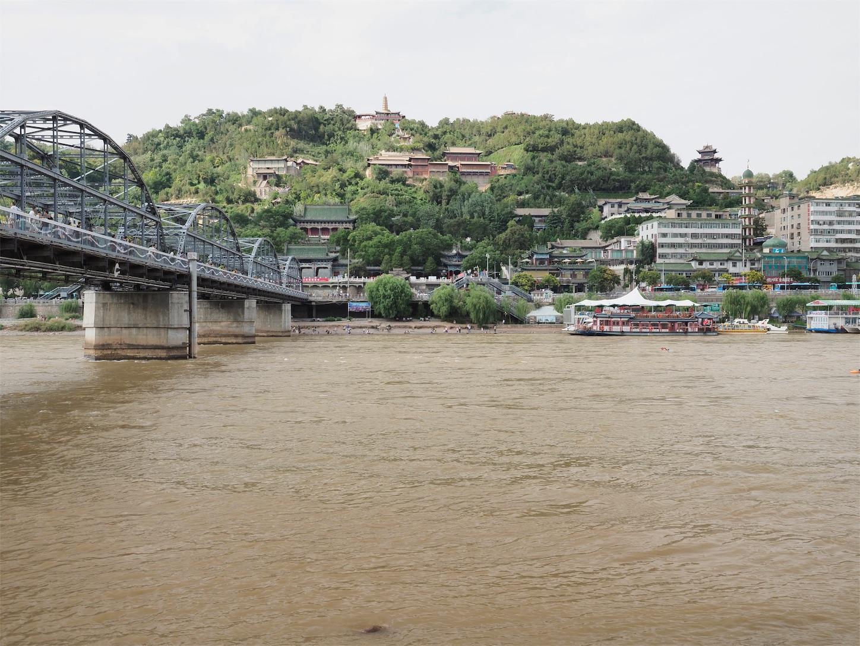 夏の中山鉄橋