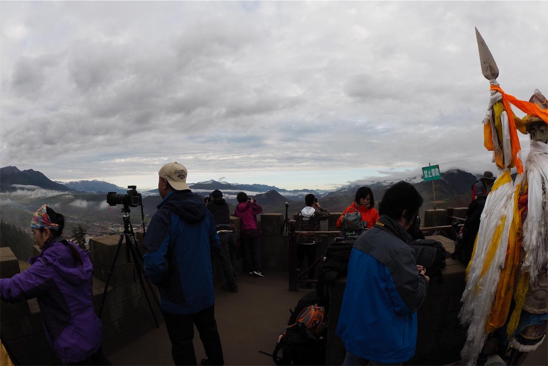 祁連-卓尔山展望台からの撮影準備