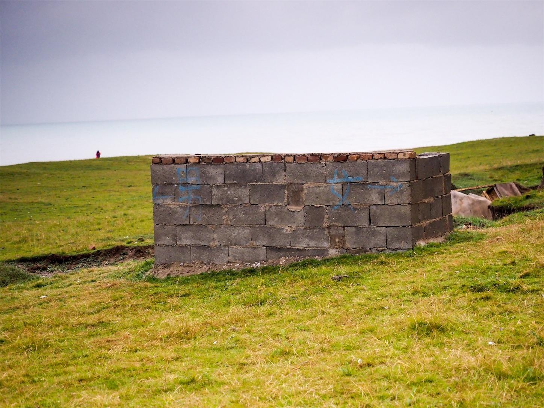 青海湖の青空トイレ
