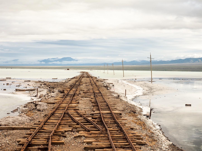 茶卡塩湖(チャーカー塩湖)の鉄道