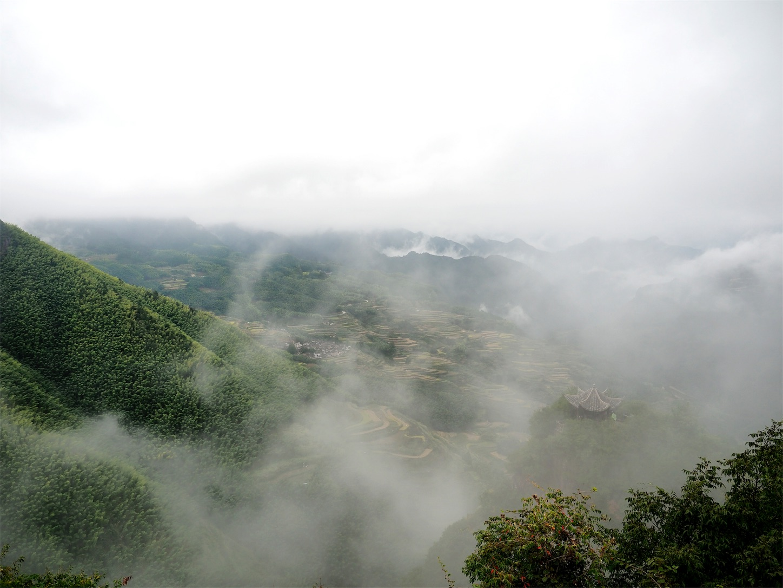 南尖岩・雲海(晴れてきた2)