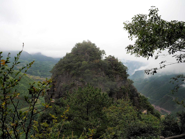 南尖岩・山