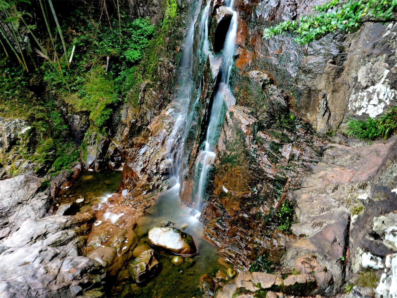 南尖岩・滝