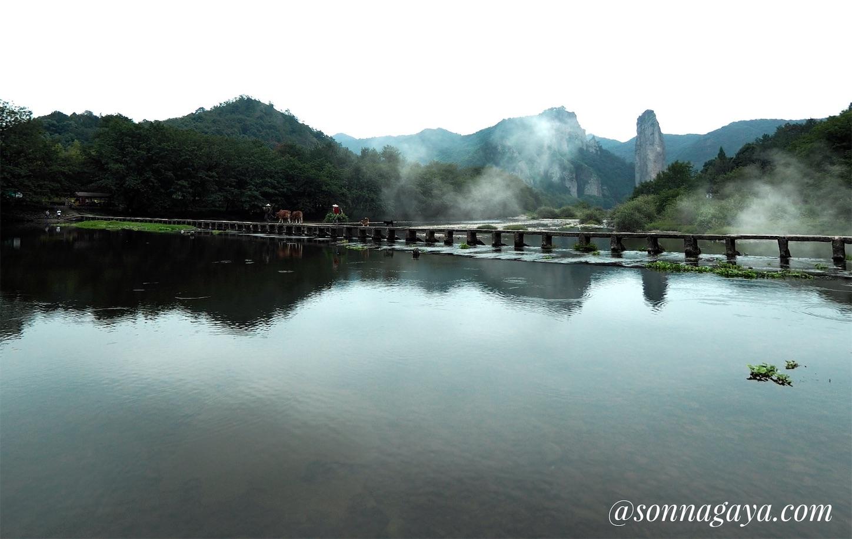 朱潭山景点(こうかく)