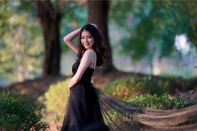 森の中の美女・ポートレート写真4・α7S2