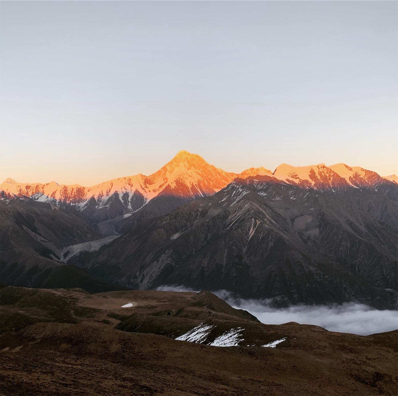 コンガ山の夕日焼け