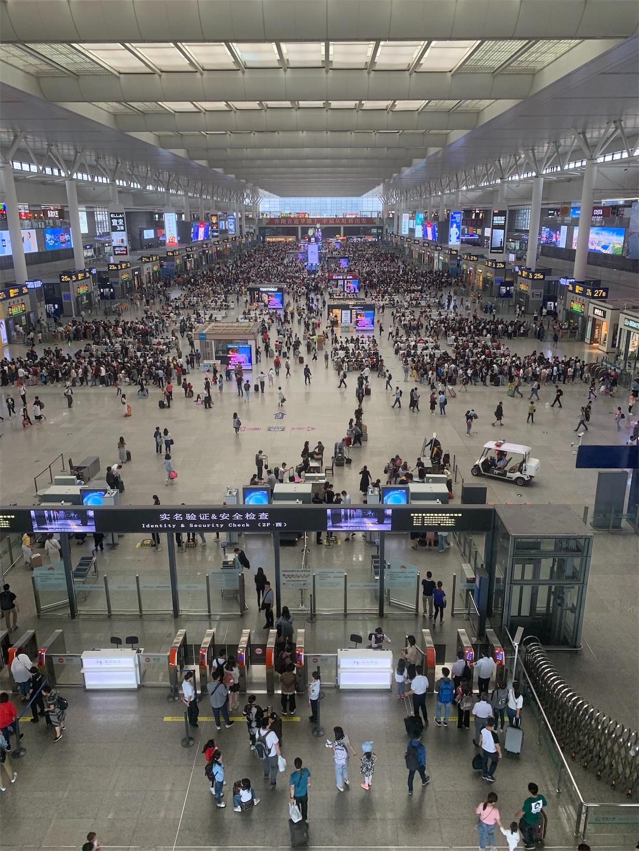 上海虹橋火車駅
