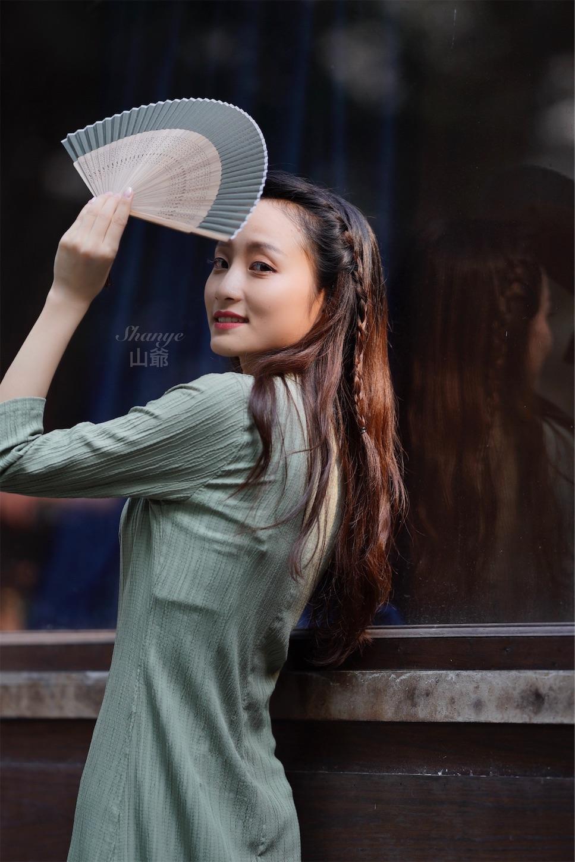 上海多倫路文化街,チャイナドレス