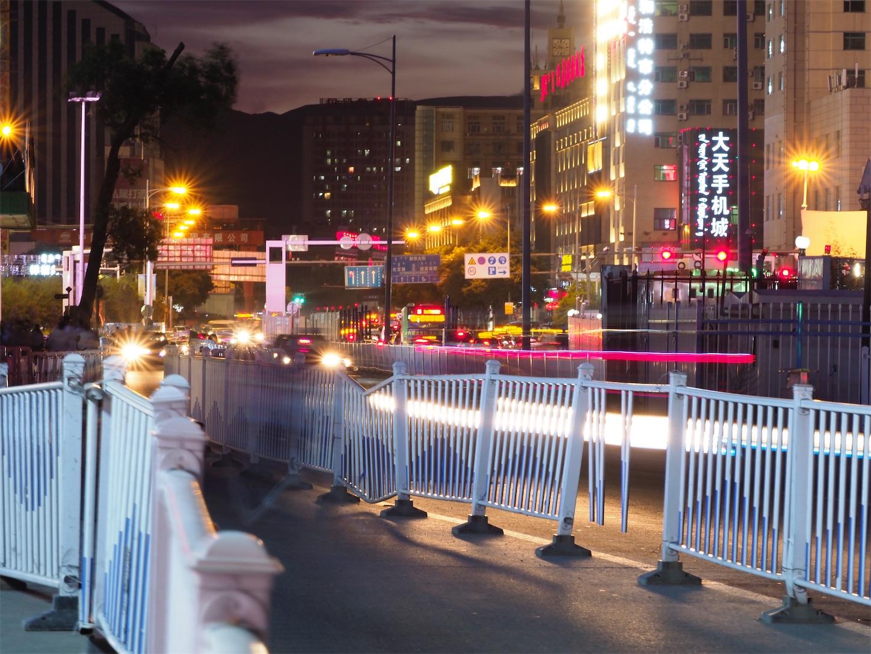 フフホト夜の繁華街