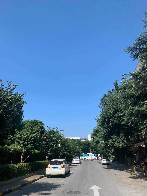 上海の夏空