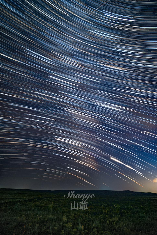 南西の空の星の軌跡