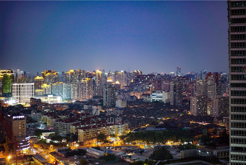 上海の下海庙付近をの夜景