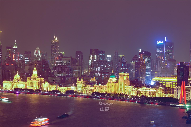 上から撮った上海外灘の夜景