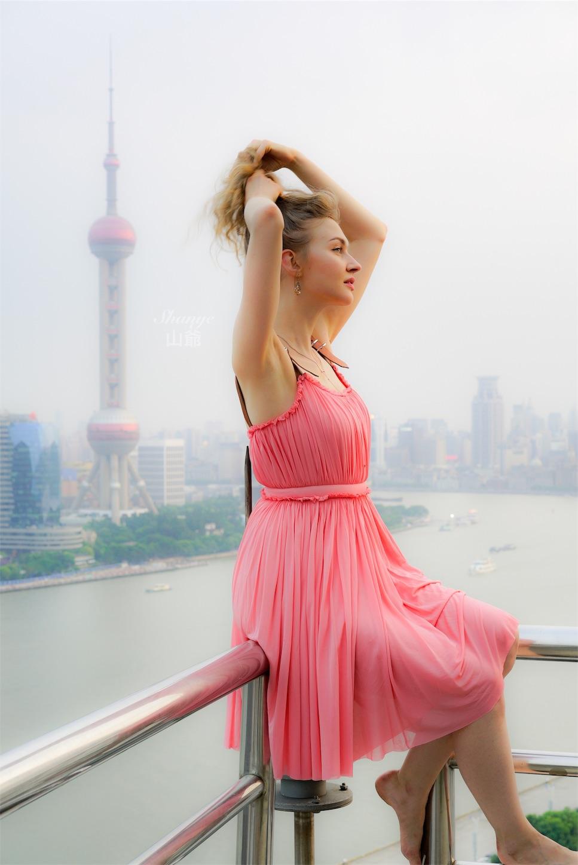 上海の風景でポートレート