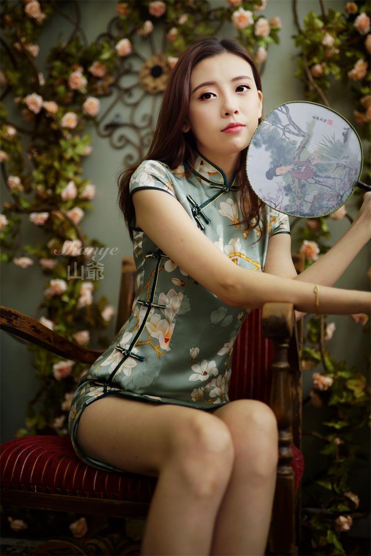 上海チャイナドレス美女