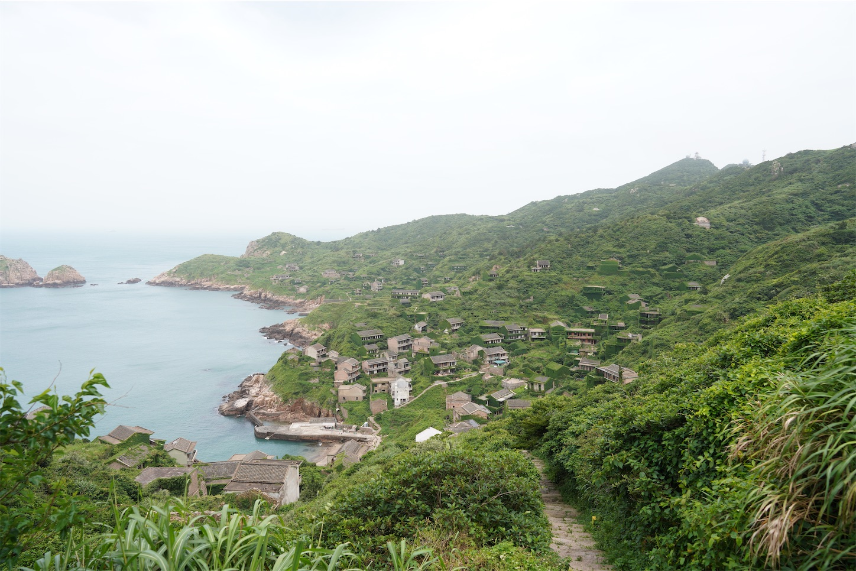 枸杞島の後頭湾村(無人村)に入る道
