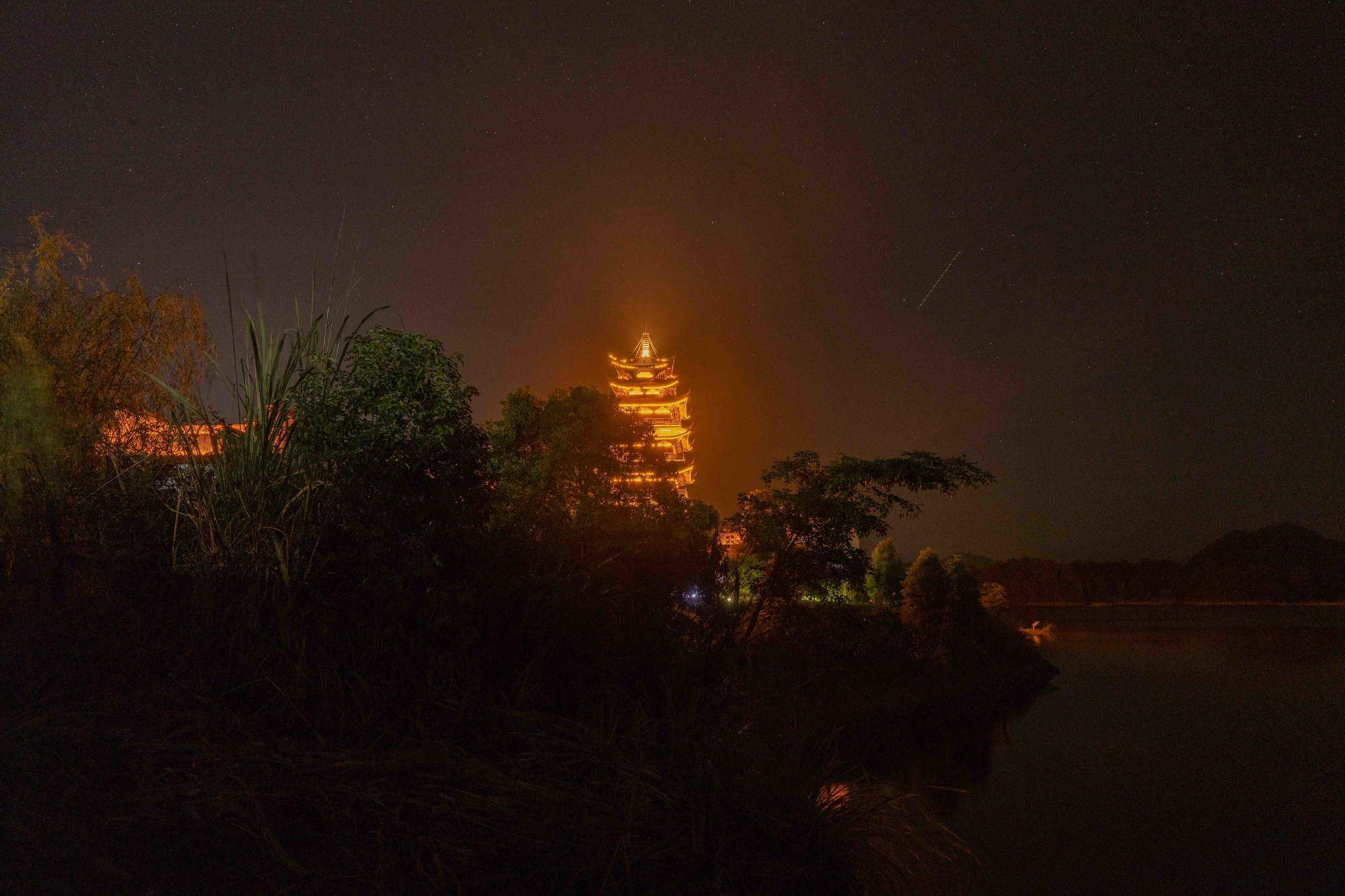 姜家镇 塔の明かり