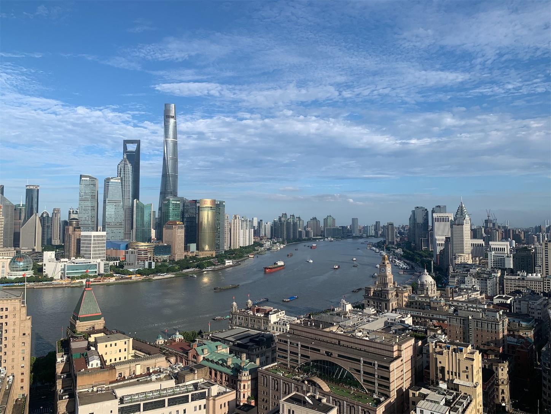 上海申華金融ビルの屋上外灘側