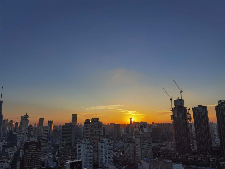 上海申華金融ビルの屋上