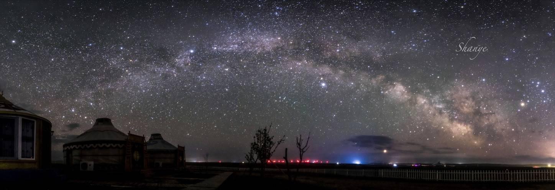 内モンゴル天の川アーチ5月