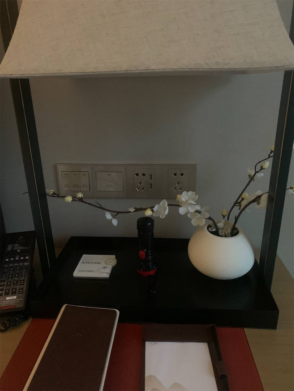 貴州省旅行5日間安順半山酒店部屋の茶器