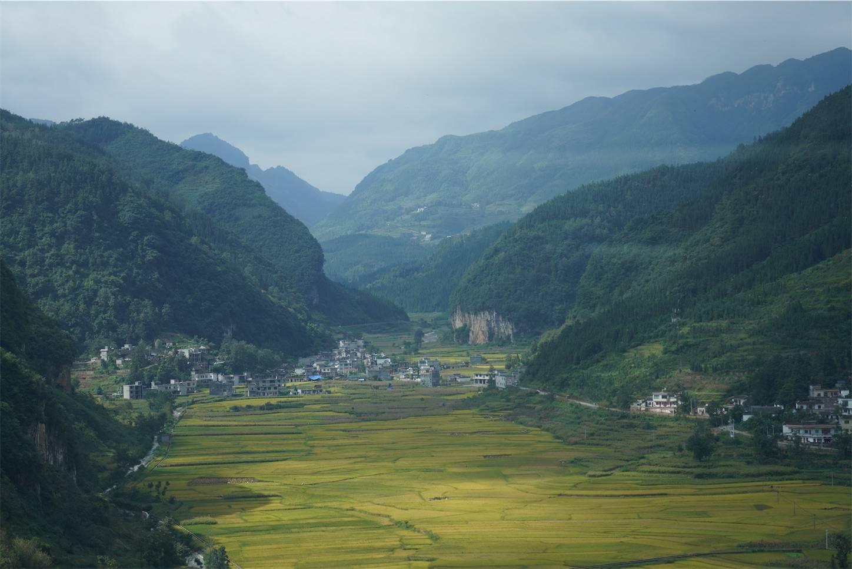 貴州省旅行5日間,安順から興義までのバスの車窓から8