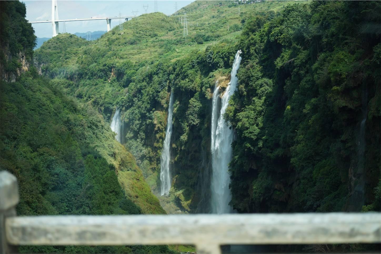 貴州省旅行5日間,安順から興義までのバスの車窓から10