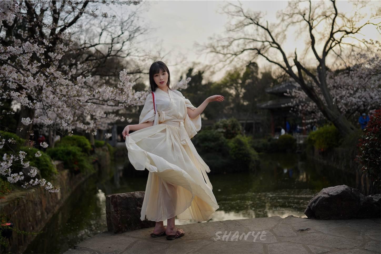 無錫鼋頭渚櫻花ポートレート,巫女