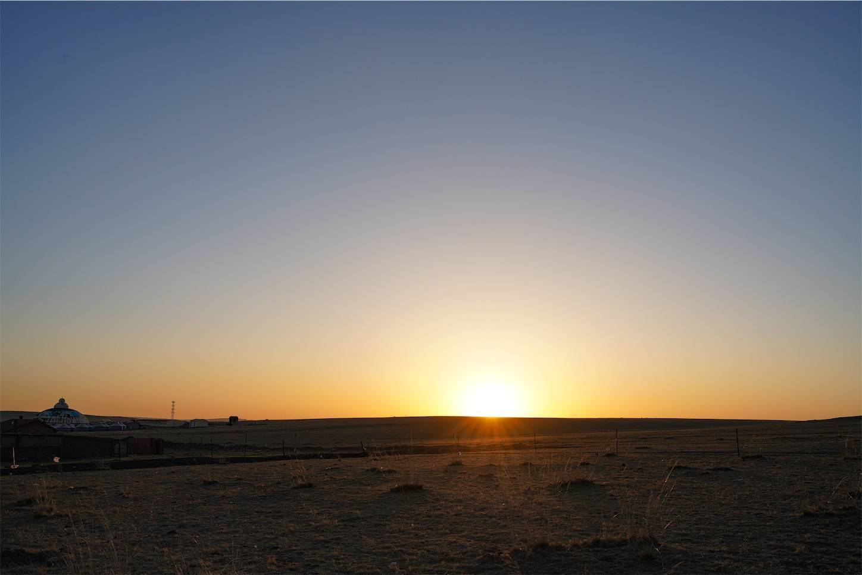 内モンゴルシラムレン草原の夕日1