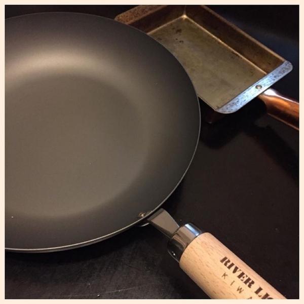 鉄のフライパンで料理が美味しくなる!