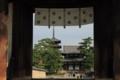 法隆寺中門の向こう