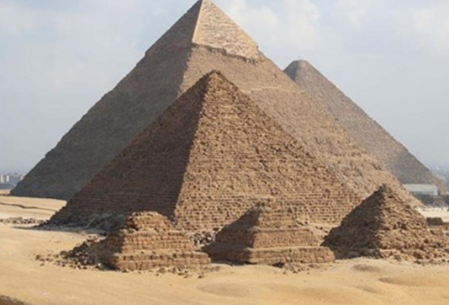 エジプトの世界遺産・ギザの三大ピラミッド