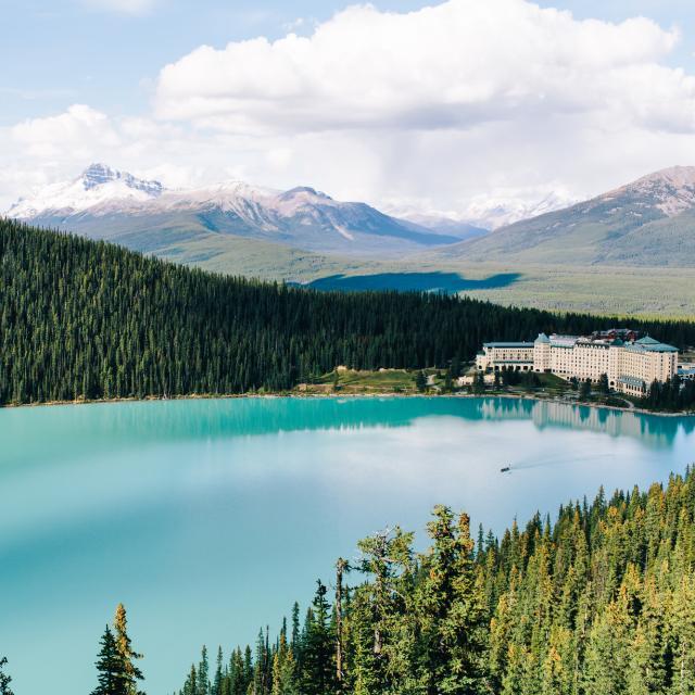 カナダの世界遺産・ルイーズ湖とモレーン湖