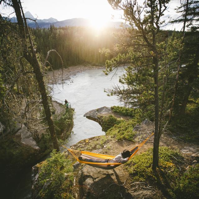 カナダの世界遺産・アサバスカ滝