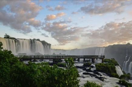 ブラジルの世界遺産・イグアスの滝