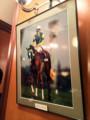 [東京都][港区]PRONTOウインズ汐留店に飾られてるサイレンススズカの写真…(´;ω;`)